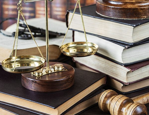 wybór biura prawnego obsługującego spółkę firmę
